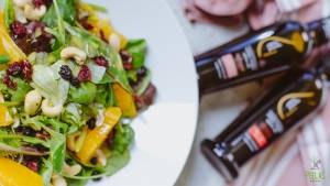 Mixed Green Salad with Orange, Cranberries and Cashwes